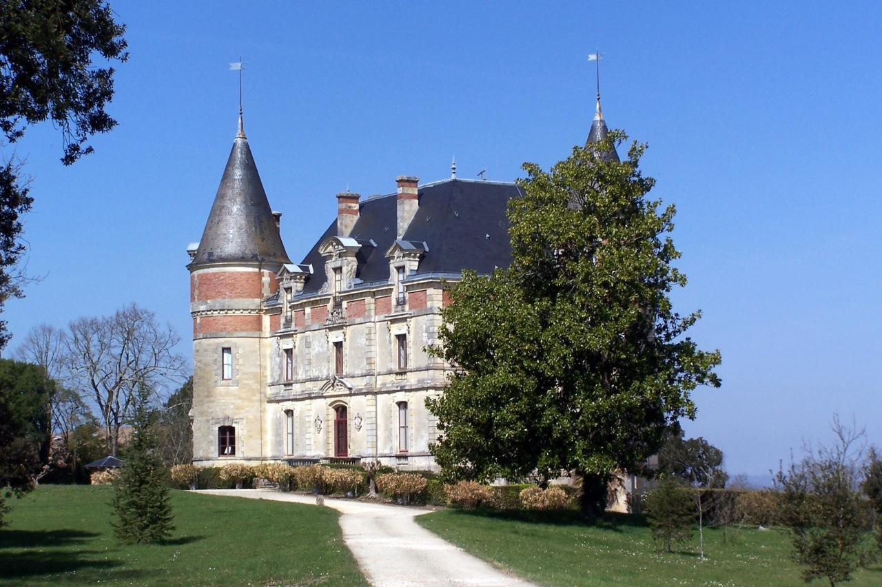 Bommes_Château_de_Rayne-Vigneau_01
